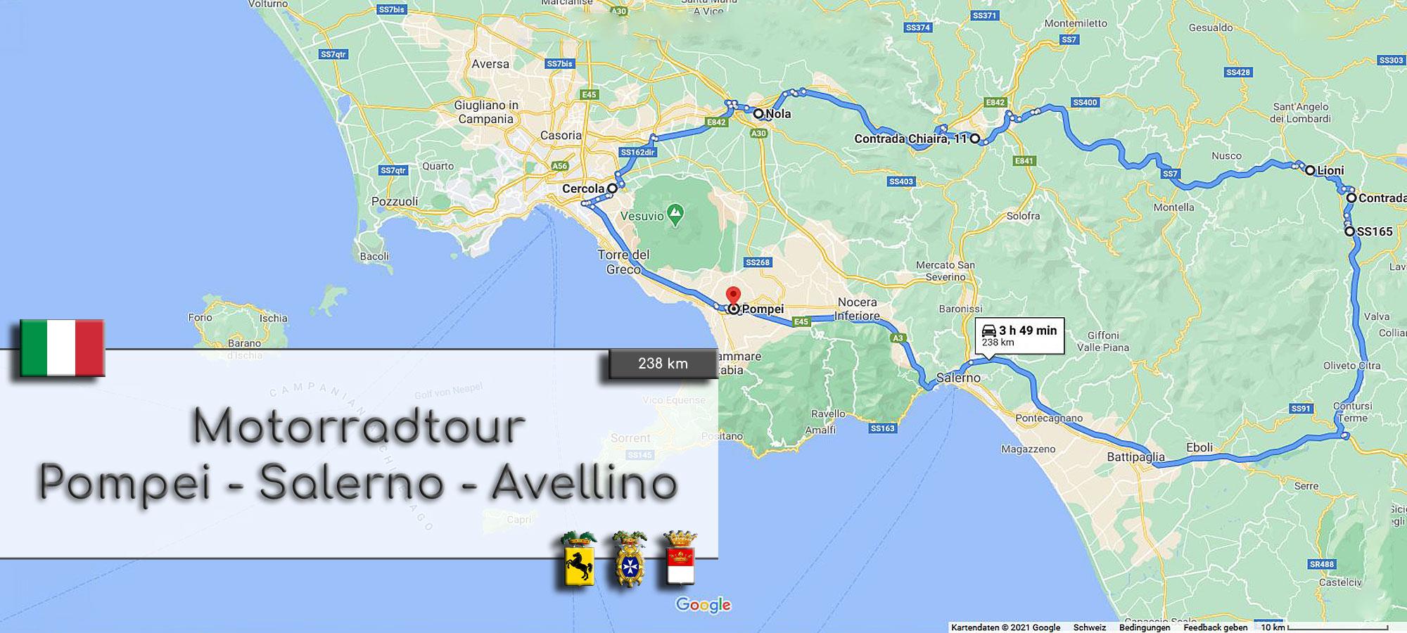 Kartenausschnitt von Sueditalien, der Region um Salerno, suedlich von Neapel. Die Strecke der Motorradtour ist eingezeichnet. Im Textfeld steht geschrieben: Motorradtour Pompei – Salerno – Avellino. Wappen von Italien und der Provinzen Neapel, Salerno und Avellino.