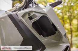Honda X-ADV - Ablagefach offen